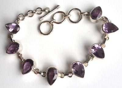 Pear-Amethyst-Bracelet_1[1]