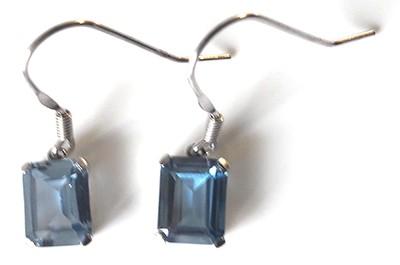 emeraldcutlabaquamarinedangles2[1]