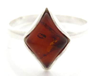 goldenamberdiamondring