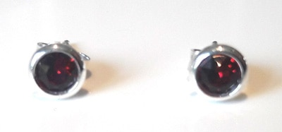 4mm-Swarovski-Ruby-Crystal-Studs_1[1]