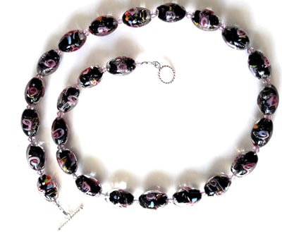 Black-and-Pink-Lampwork-Bead-Necklace1[1]