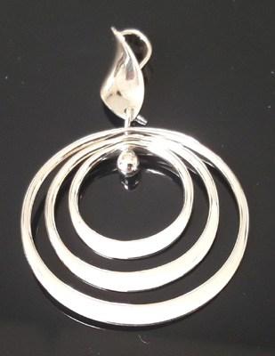 Mobile-Silver-Circles-Pendant_2[1]