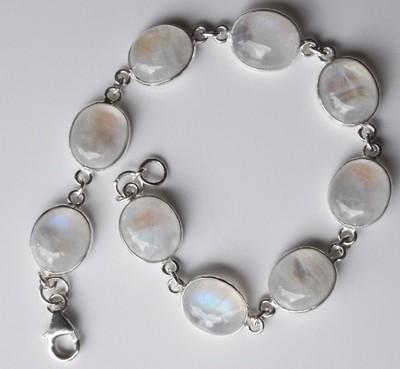 Oval-Stones-Moonstone-Bracelet_1[1]