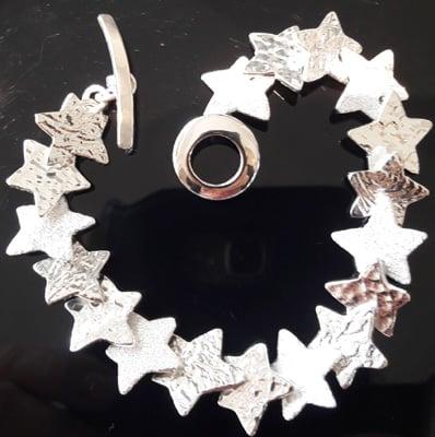 Overlapping-Stars-Bracelet_1