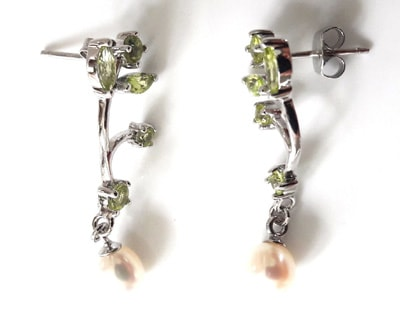 Peridot-and-Pearl-Earrings_1[1]
