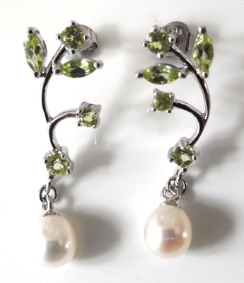 Peridot-and-Pearl-Earrings_2[1]