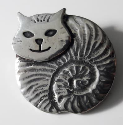 Pewter-Fat-Cat-Brooch_1[1]