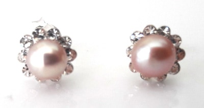 Pink-Freshwater-Pearl-and-CZ-Studs_1[1]
