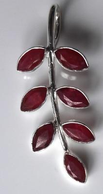Ruby-Leaf-Pendant_1[1]