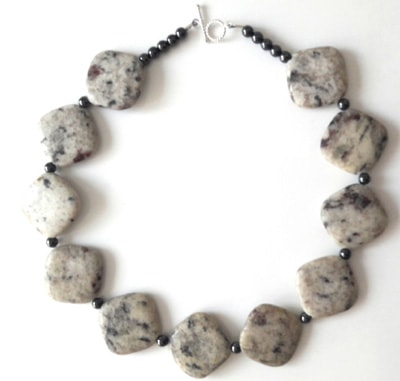 Sesame-Jasper-and-Hematite-Necklace_1[1]