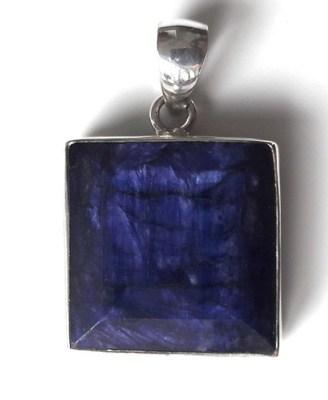 Square-Sapphire-Pendant_![1]