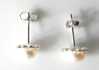 White-Pearl-and-CZ-Studs_2[1]