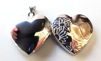 butterfly-locket-back
