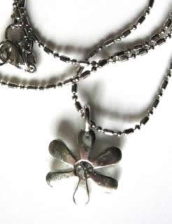 crytsal-flower-pewter-necklace