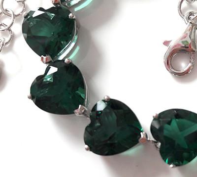 emeraldheartbraceletclose[1]