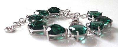 emeraldheartbraceletside[1]