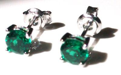 emeraldroundstuds[1]