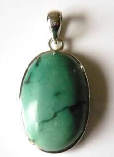 medium-oval-turquoise-pendant-plainish