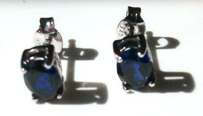 ovalsapphirestuds1[1]