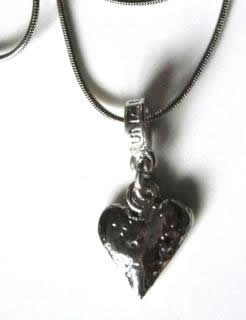 single-pewter-heart-necklace