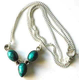 three-stone-turquoise-necklace-1