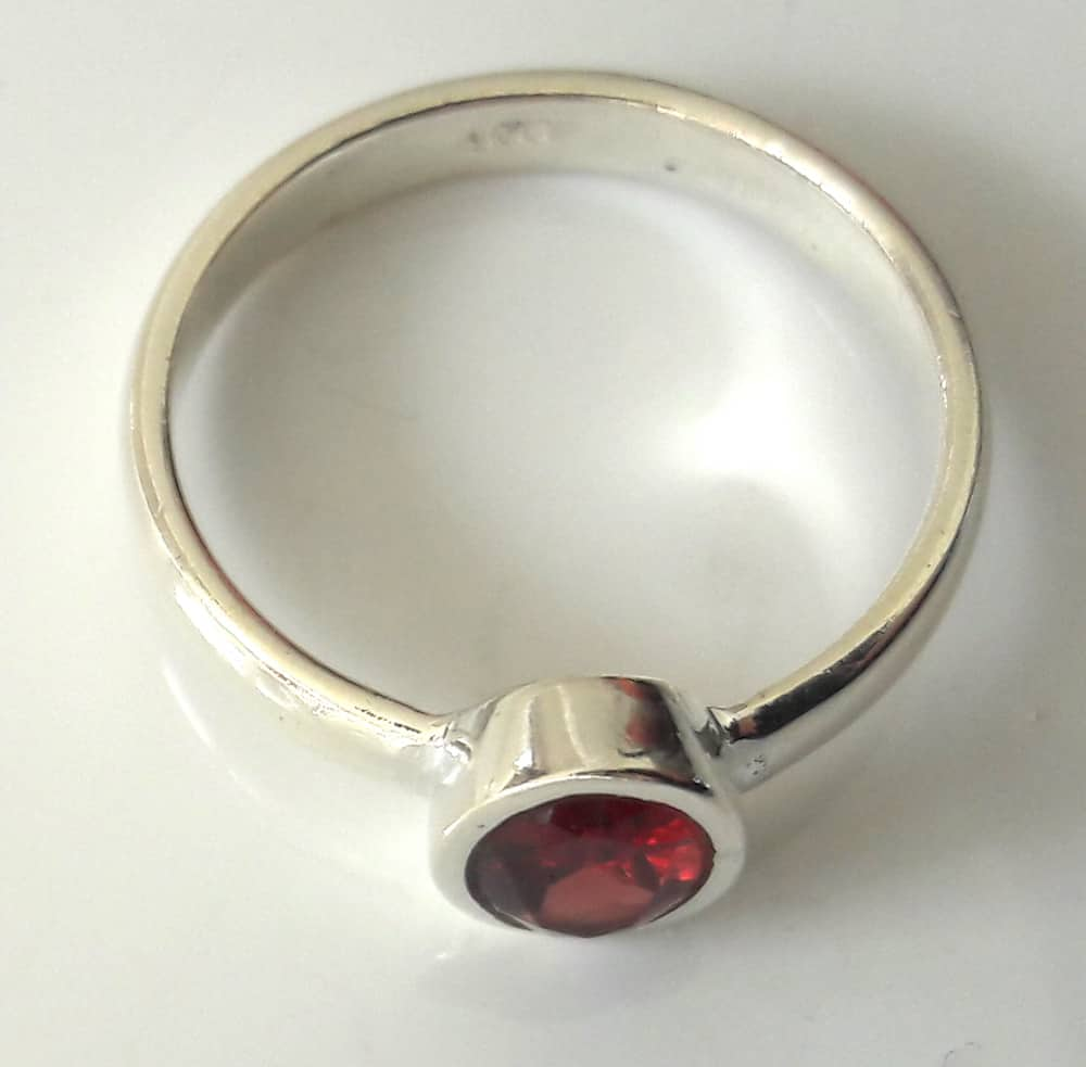 Simple garnet ring 2